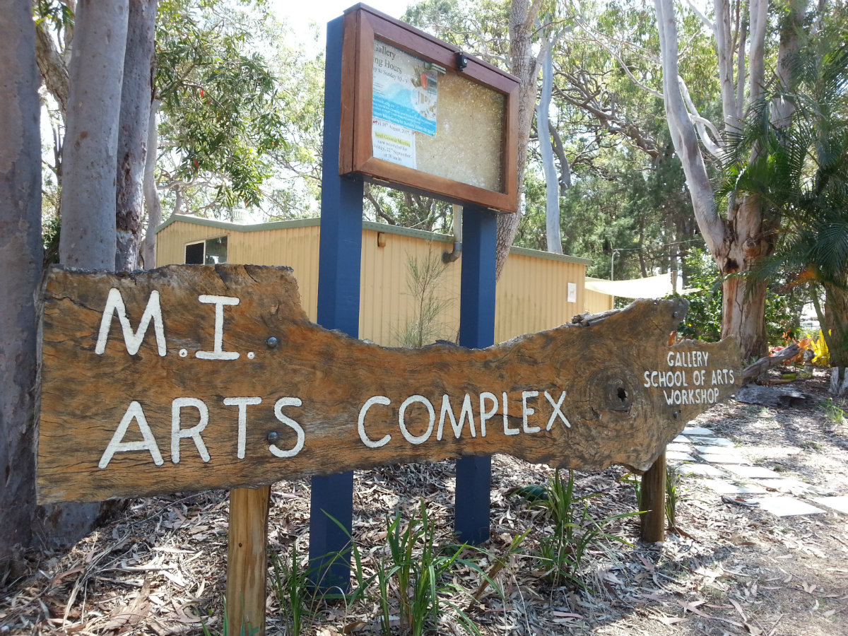 Macleay Is Art Complex signage